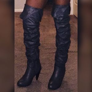 😍 Knee-high Norma Boots 😍